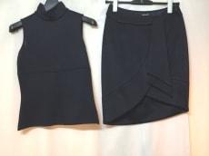 VERSACE(ヴェルサーチ)のスカートセットアップ