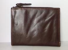 Paquet(パケ)の2つ折り財布