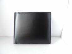 CORDOVAN(コードバン)の2つ折り財布