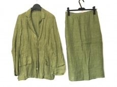 KRIZIAPOI(クリッツィアポイ)のスカートスーツ