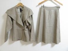 bernhard willhelm(ベルンハルトウィルヘルム)のスカートスーツ