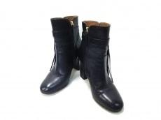 AQUAZZURA(アクアズーラ)のブーツ
