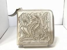 Carving Tribes(カービングトライブス)の2つ折り財布