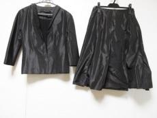 MAURIZIO PECORARO(マウリツィオペコラーロ)のスカートスーツ