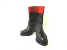 ANN DEMEULEMEESTER(アンドゥムルメステール)のブーツ