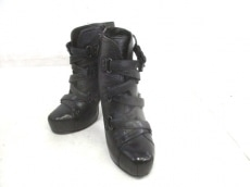 ASH(アッシュ)のブーツ