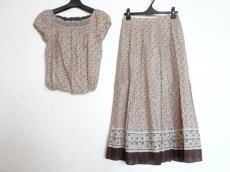 K.T.(キヨコタカセ)のスカートセットアップ