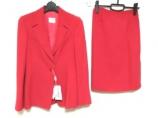 GIANFRANCO FERRE STUDIO(ジャンフランコフェレストゥーディオ)のスカートスーツ