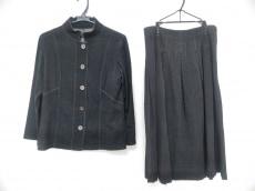 L'EQUIPE YOSHIE INABA(レキップ ヨシエイナバ)のスカートセットアップ