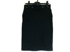 R13(アールサーティーン)のスカート