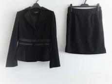 BETSEY JOHNSON(ベッツィージョンソン)のスカートスーツ