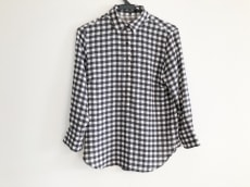 23区(ニジュウサンク)のポロシャツ