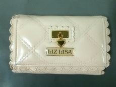 LIZLISA(リズリサ)の2つ折り財布