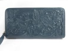Carving Tribes(カービングトライブス)の長財布