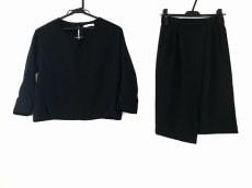 TONAL(トーナル)のスカートセットアップ