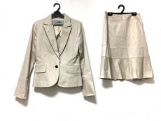 Viaggio Blu(ビアッジョブルー)のスカートスーツ