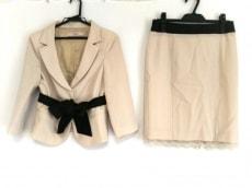 R.E.D VALENTINO(バレンチノ)のスカートスーツ