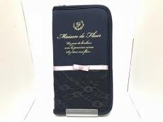 Maison de FLEUR(メゾンドフルール)の長財布