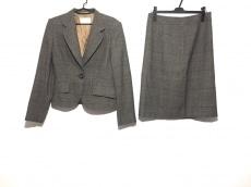 Brioni(ブリオーニ)のスカートスーツ