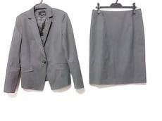 22OCTOBRE(ヴァンドゥ オクトーブル)のスカートスーツ