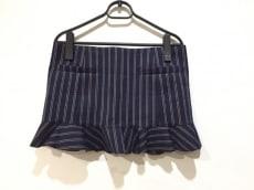 TOGA PULLA(トーガプルラ)のスカート