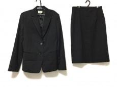 Aylesbury(アリスバーリー)のスカートスーツ