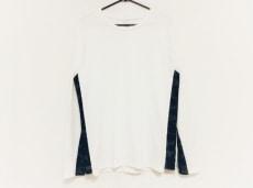 AKM(エーケーエム)のTシャツ