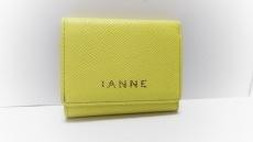 IANNE(イアンヌ)の3つ折り財布