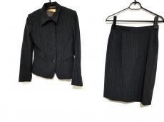DONNAKARAN SIGNATURE(ダナキャランシグネチャー)のスカートスーツ