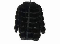 EMBA(エンバ)のコート