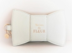 Maison de FLEUR(メゾンドフルール)のカードケース