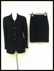 ビーグルのスカートスーツ