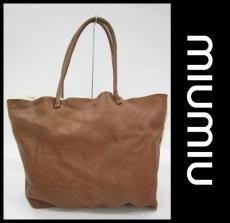 miumiu(ミュウミュウ)のムートン