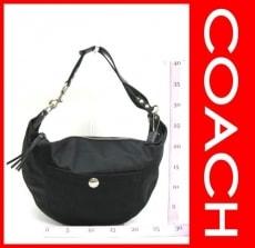 COACH(コーチ)のハンプトンズウィークエンドホーボーのショルダーバッグ