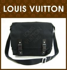 LOUIS VUITTON(ルイヴィトン)のルーのショルダーバッグ