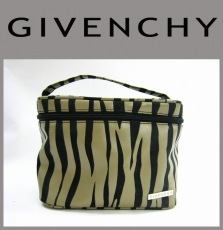 GIVENCHY(ジバンシー)のバニティバッグ