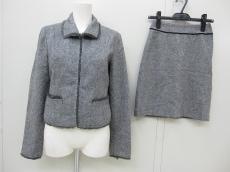 コムサ モデルのスカートスーツ