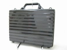 リモワのビジネスバッグ