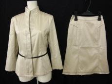 エピウスプレイスのスカートスーツ