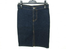 アールジーンのスカート