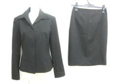 ロートレファミールのスカートスーツ