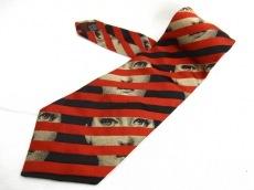 フォルナセッティのネクタイ