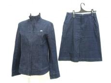 Lacoste(ラコステ)のスカートスーツ