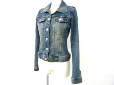 アンナケリーのジャケット