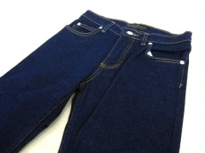 ジューシージーンズのジーンズ