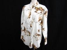 アツキオオニシのシャツ