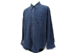 フチューロのシャツ