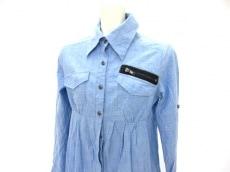 チューのシャツ