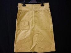 ナショナルスタンダードのスカート