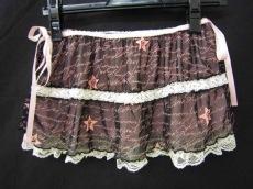 グラマラスジェーンのスカート